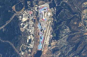 NASA Astronaut Captures Race Tracks from Space with a Nikon DSLR 1
