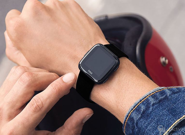 Fitbit Versa: A Budget-Friendly Alternative to Apple Watch 2