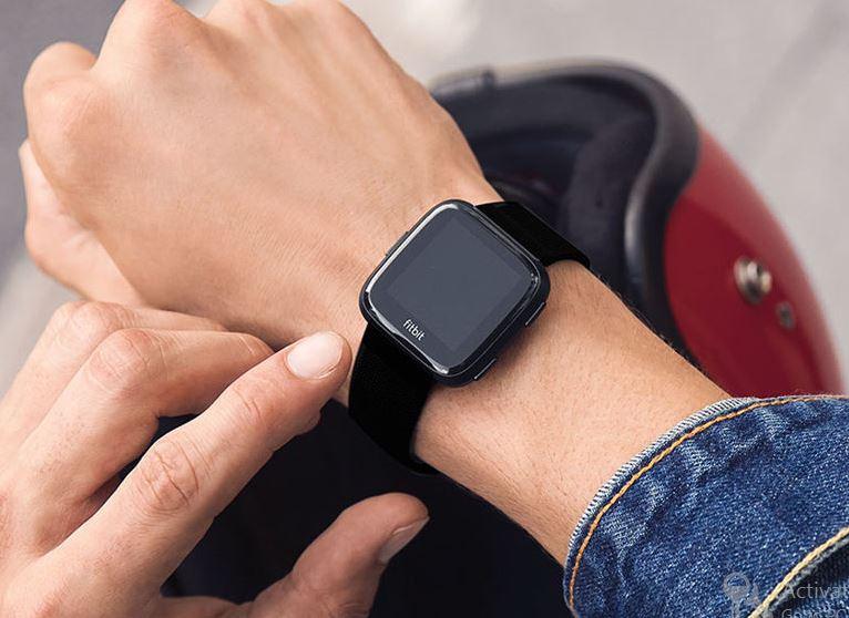 Fitbit Versa Image 1