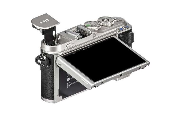 Olympus PEN E-PL9 Review: Brilliant for Beginners 2