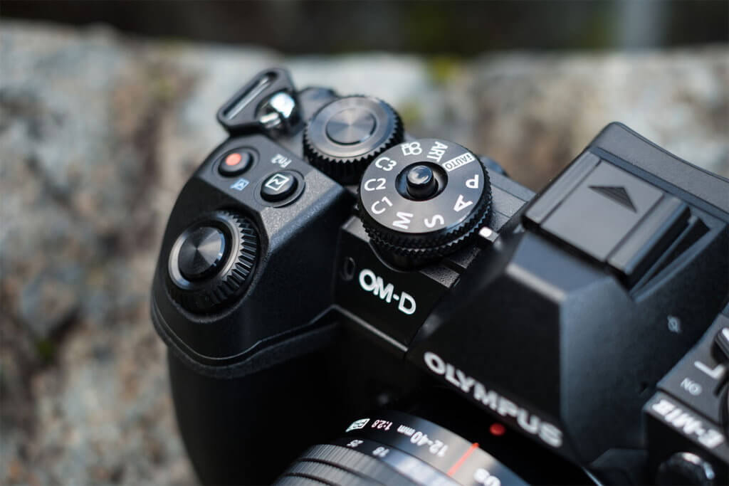 Olympus OM-D E-M1: A Dependable and Durable Compact Camera 1