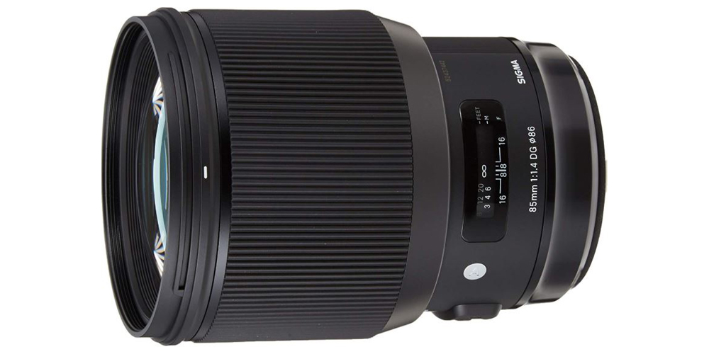 6 Best Lenses for Night Photography 1