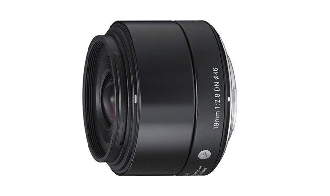 Sigma 19mm f/2.8 DN image-1