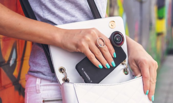 Best Add-On Lenses for Smartphones Image