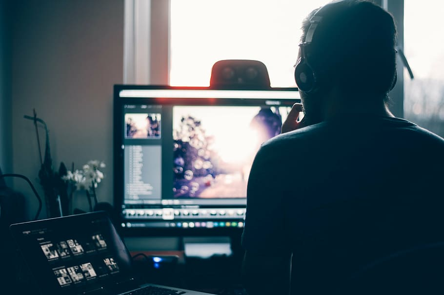 Photo Editing Monitors Image