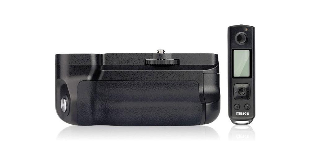 Meike MK-A6500 Pro Vertical Shooting Battery Grip Image