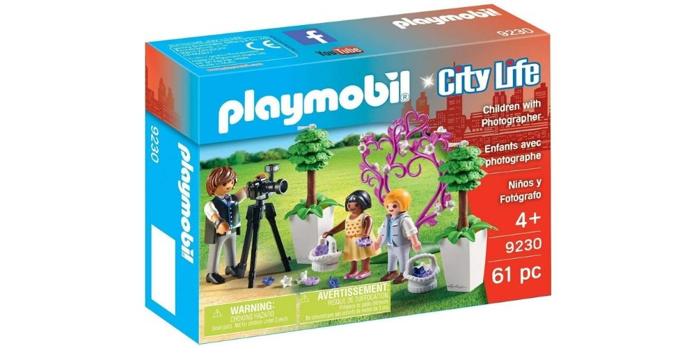 PLAYMOBIL City Life Children with Photographer Image