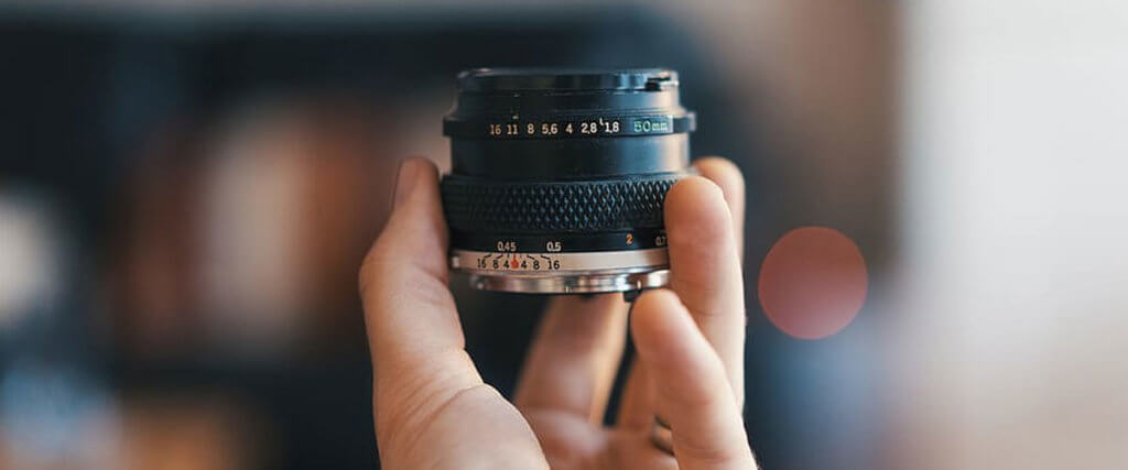 Wide-Angle Prime Lenses for Canon Under $300 Image