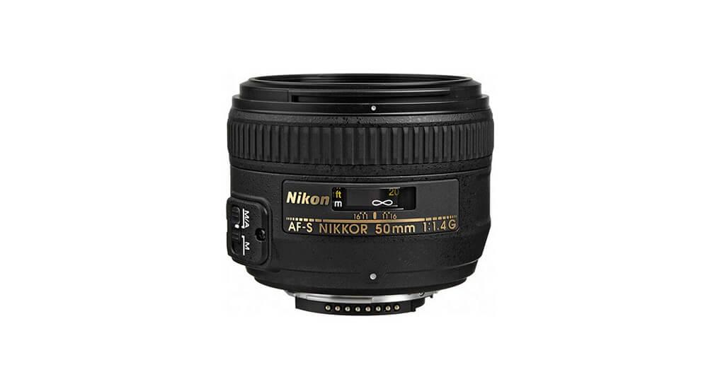 Nikon AF-S DX NIKKOR 18-300mm f/3.5-6.3G ED VR Image
