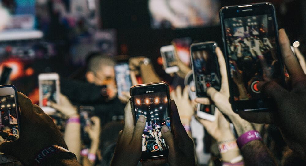 Smartphones Under $400 Image